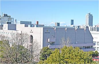 創立90周年記念事業<br>中・高校舎リニューアル<br>(平成23年12月完成)
